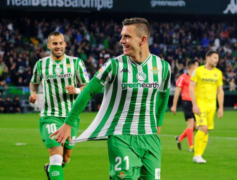 El jugador argentino Giovani Lo Celso  y Jesé Rodríguez celebran un gol en el partido contra el Villarreal, EFE