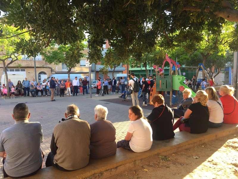 Encuentro en la plaza Dominical