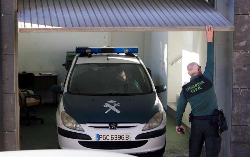 Agentes de la Guardia Civil durante una operación. EFE