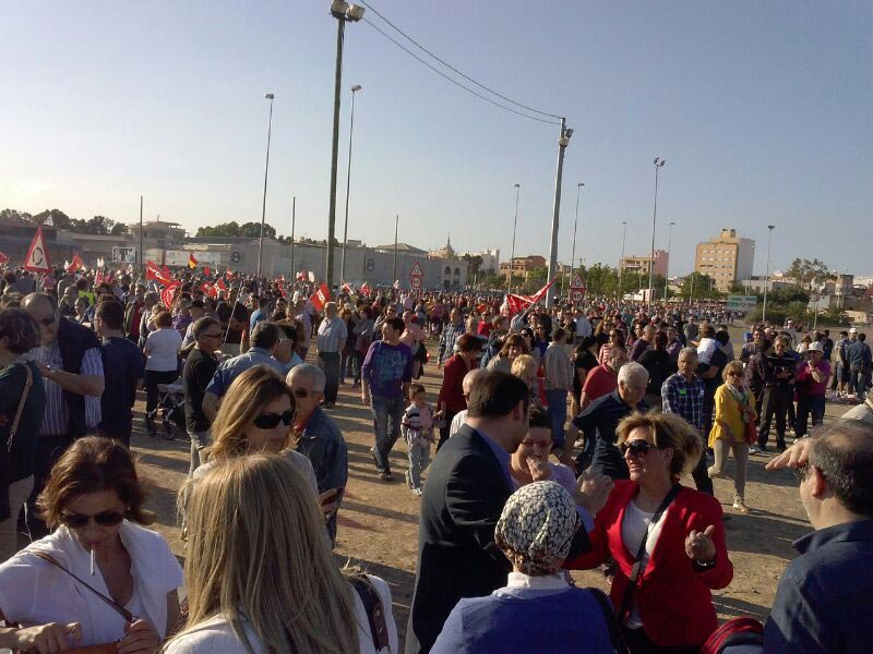 Una imagen de la marcha, cerca del Alto Horno. FOTO EPDA