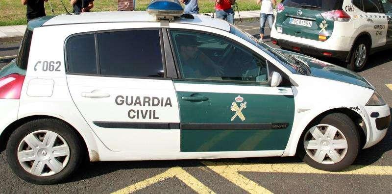 Vehículos de la Guardia Civil. EFE/Archivo
