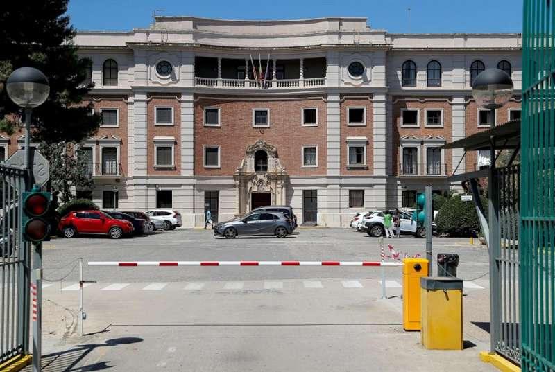 Imagen de archivo de un instituto de València.EFE/Manuel Bruque