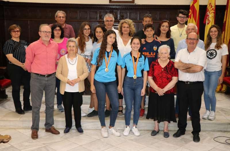 Recibimiento a las deportistas locales Carla Morales y Alba Silvestre. EPDA
