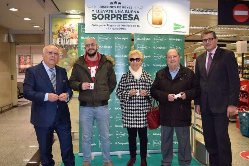 El Corte Inglés entrega los lingotes de oro del Roscón de Reyes a los clientes premiados