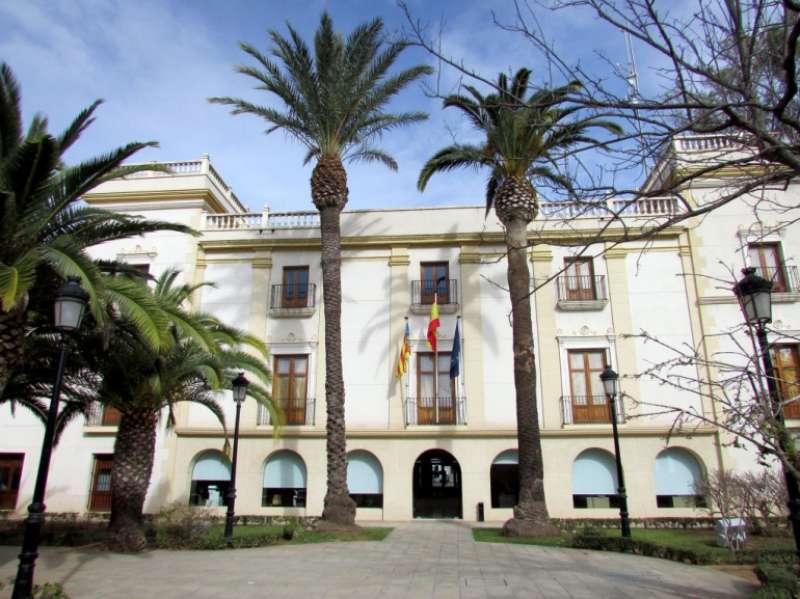 Fachada del ayuntamiento de Moncada. EPDA