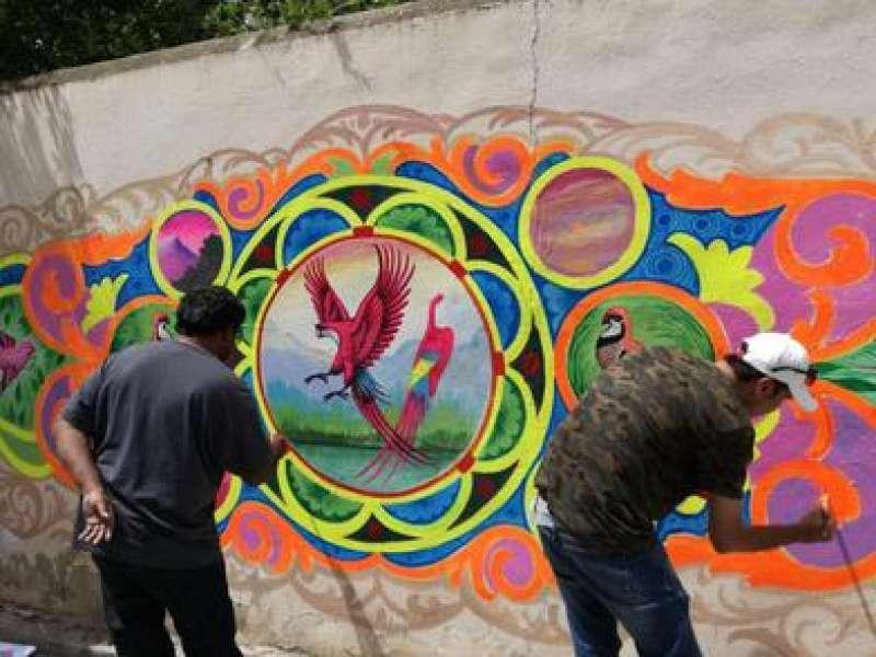 Mural Phool Patti Col·legi Públic Jaime I del barrio d