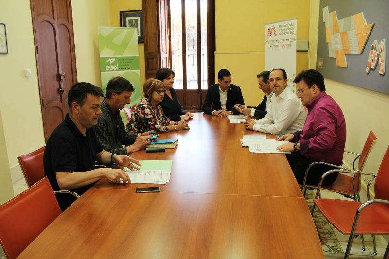 La comisión de Movilidad de la Mancomunitat Horta Sud, presidida por el alcalde de Xirivella, Michel Montaner. EPDA