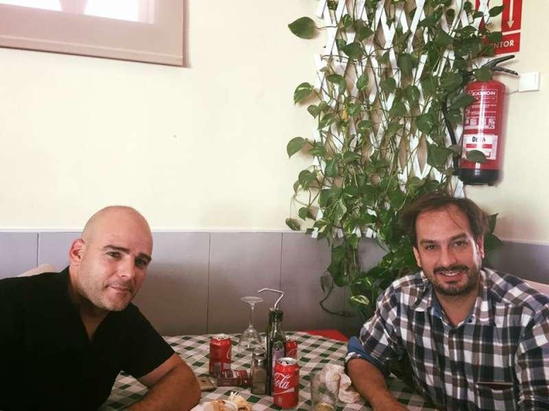 El Concejal del PSOE en Alcalalí, Bernardo Ferrer junto a Jaume Hurtado, Secretario General de Som Valencians. epda