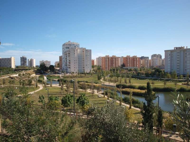 El parque urbano inundable la Marjal, ubicado en la playa de San Juan de Alicante, proyecto escogido por la compañía para presentar a este concurso