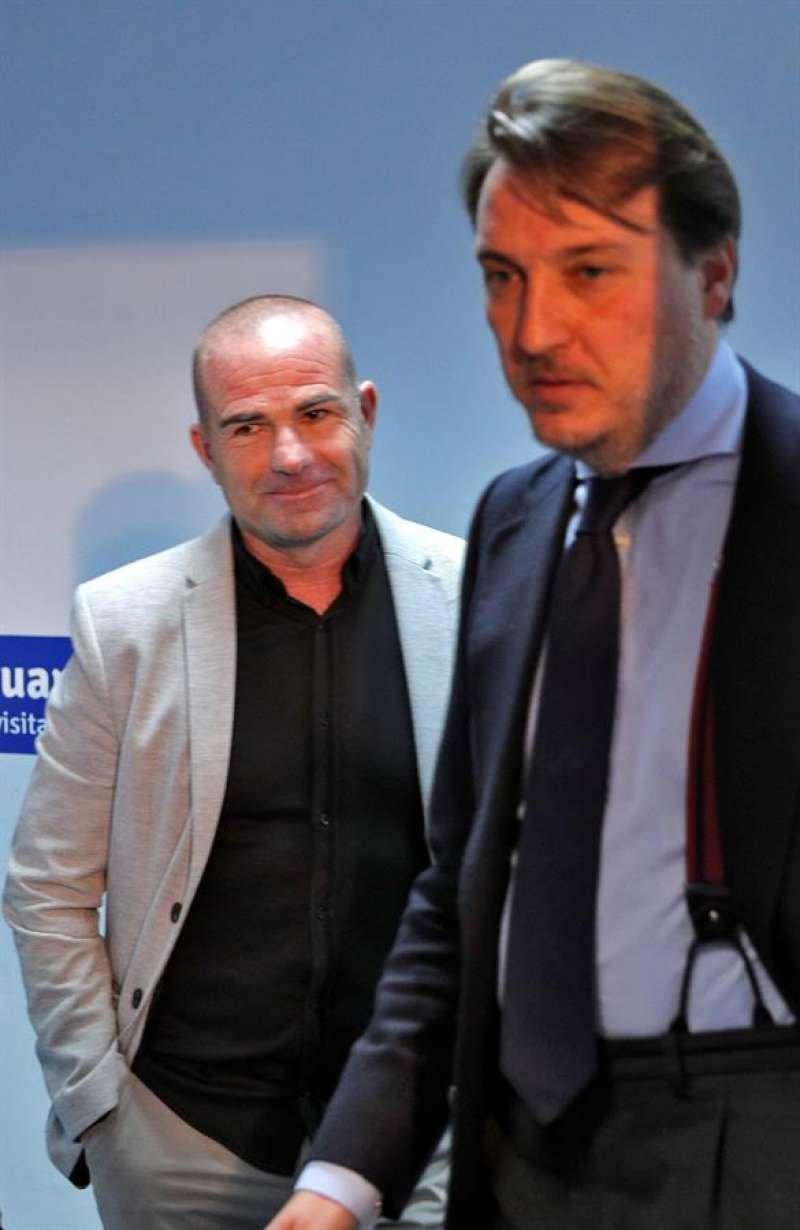 El presidente del Levante UD, Quico Catalán (dcha), junto a Paco López. EFE/Archivo