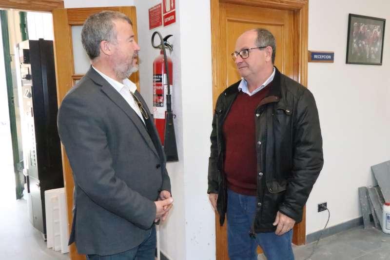 El alcalde y el concejal de Mantenimiento en las obras del centro. EPDA