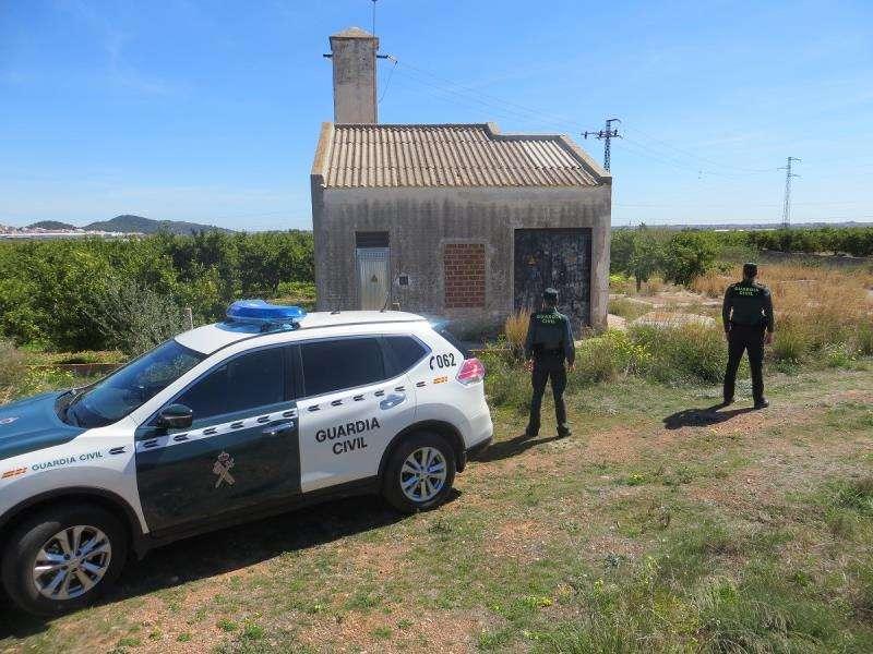 La Guardia Civil, de vigilancia en el campo, en una imagen difundida por este cuerpo policial.