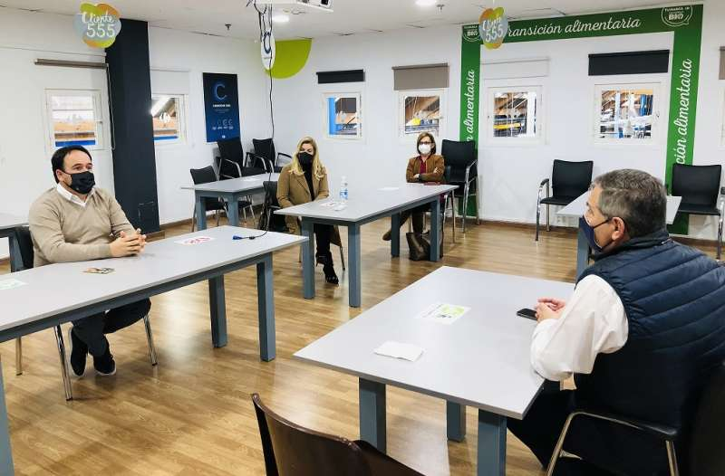 Ronda de contactos del alcalde de Finestrat con CARREFOUR / EPDA