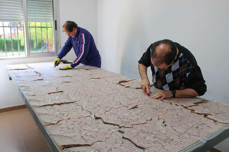 Dos usuaris del centre ocupacional de Llíria
