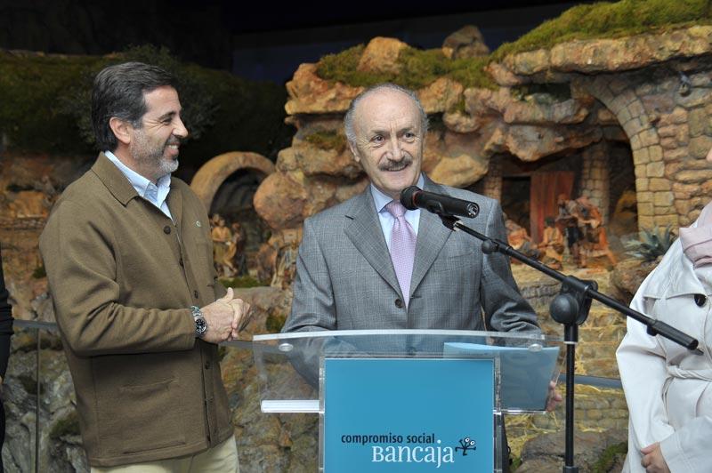 El alcalde de Sagunto, Alfredo Castelló, y el presidente de Fundación Bancaja Sagunto, Francisco Muñoz Antonino, durante la inauguración. FOTO EPDA