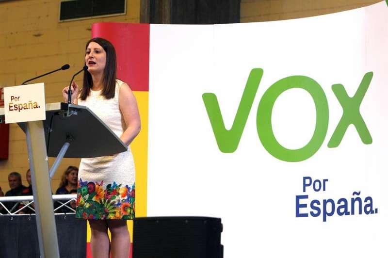 La síndica de Vox en Les Corts, Ana Vega, durante un mitin de su partido. EFE