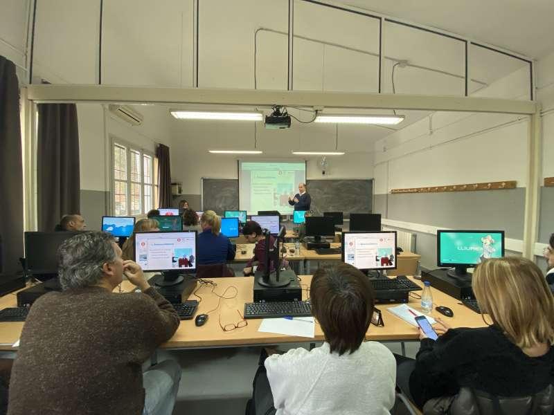 Sesión en el Club de Empleo de Paterna. EPDA