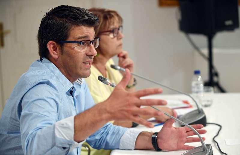 El President de la Diputació de València, Jorge Rodríguez, en reunió amb els alcaldes. Foto Abulaila