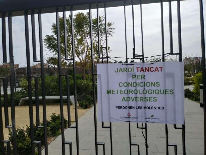 Uno de los jardines cerrado en València. EPDA