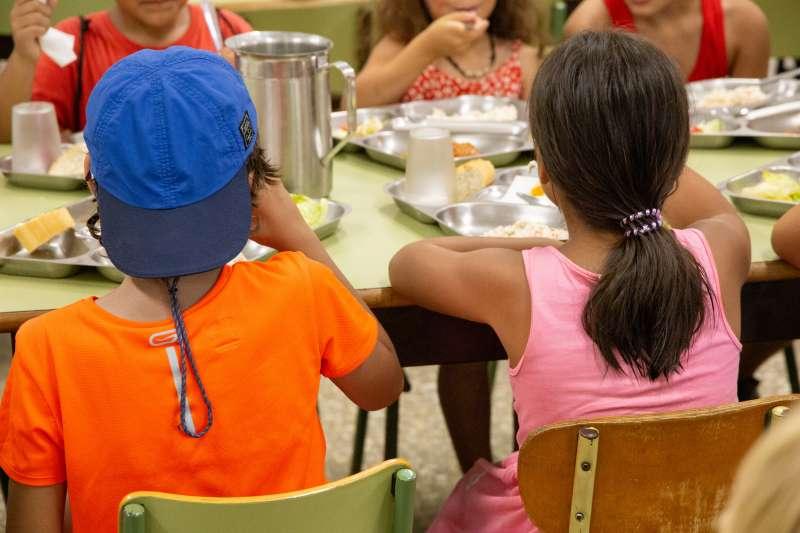 Niños en un comedor. EPDA