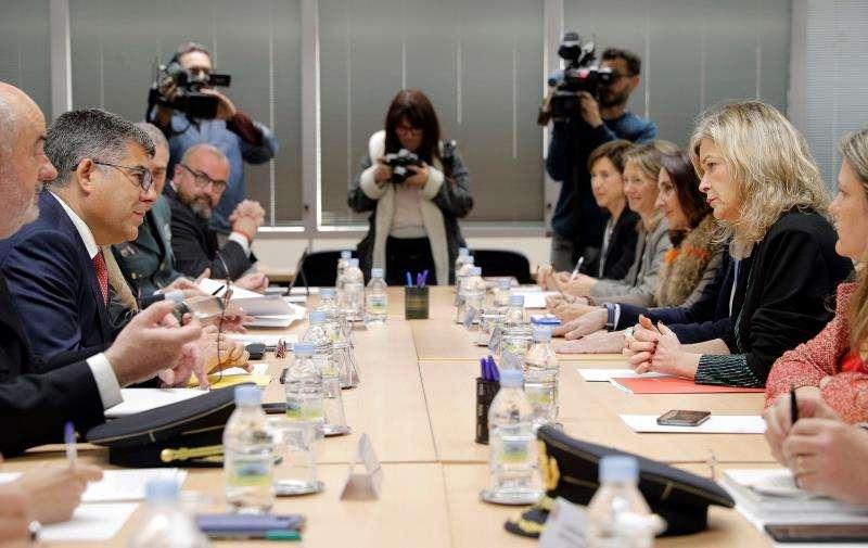 La secretaria de Estado de Seguridad, Ana Botella, participa, junto a la consellera de Justicia, Gabriela Bravo, y mandos policiales, en la Comisión Mixta de Seguridad de la Comunitat Valenciana, que se reúne para tratar cuestiones como la seguridad electoral y la ciberseguridad de cara a las elecciones generales y autonómicas del 28 de abril. EFE