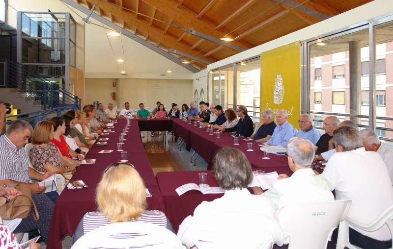 El Ayuntamiento de Benaguasil presenta la carta de servicios a las entidades vecinales