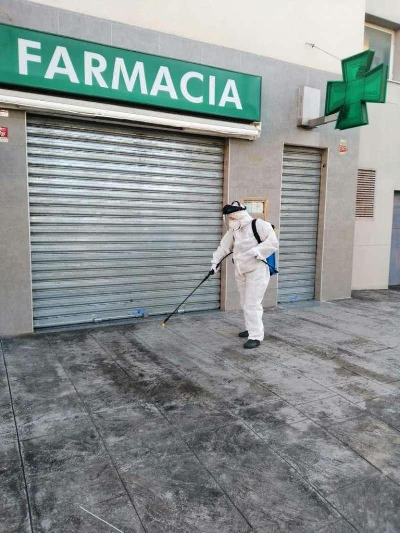 Desinfección en las calles de Paterna. EPDA