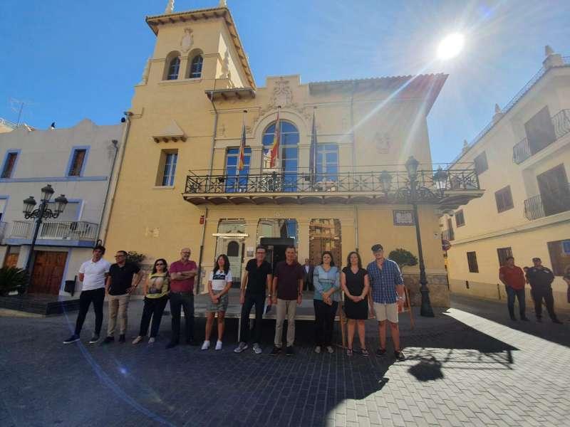 Manifestación a las puertas del Consistorio. EPDA
