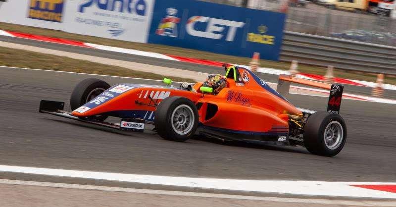 En la Fórmula 4, destaca la participación de los tres pilotos de la escuela de Circuit, la Fórmula de Campeones, Carles Martínez, Nerea Martí y Kilian Meyer (en una imagen facilitada por el Ricardo Tormo), que lidera la clasificación general.