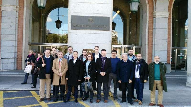 Los alcaldes del pacto de Xirivella en el ministerio de Fomento. //EPDA