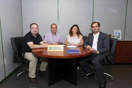 Firma convenio entre Caixa Popular y ACEM de Mislata. Foto: EPDA