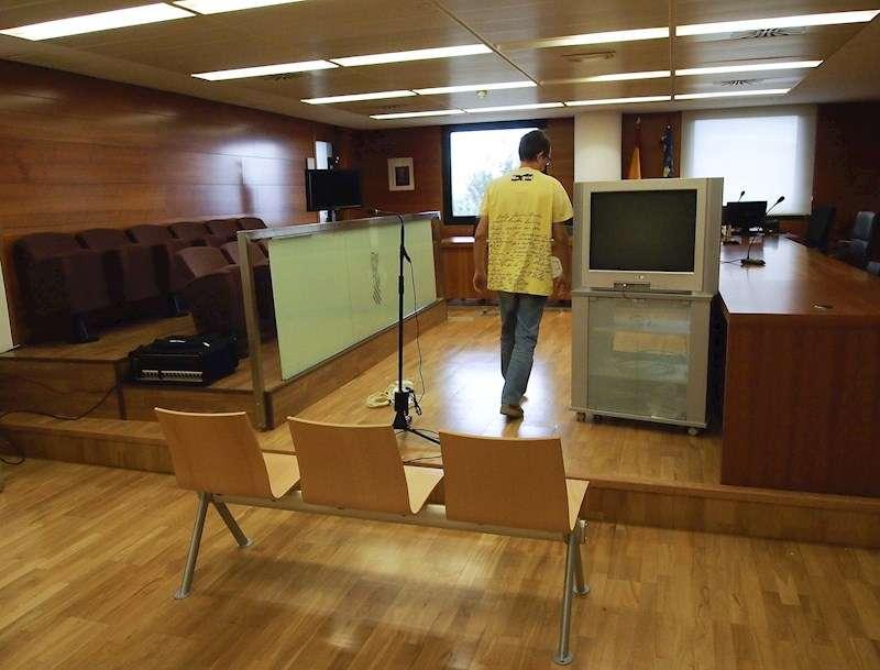 Imagen de archivo de una sala de vistas de la Audiencia de Castellón. EFE