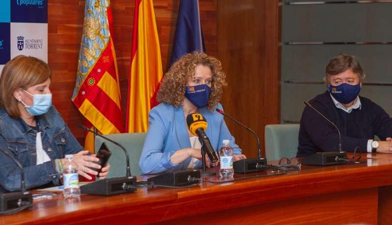 Amparo Golfado y Isabel Bonig