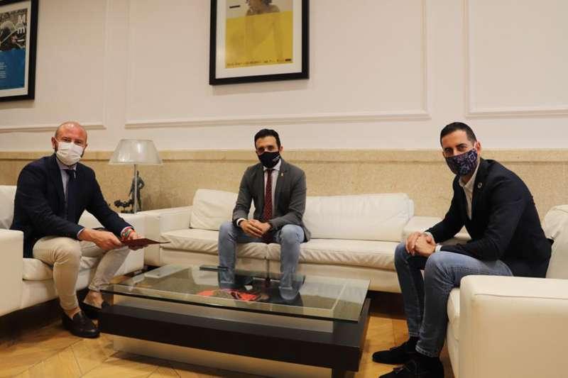 Visita del alcalde de Sagunto a la Diputación de Valencia. EPDA