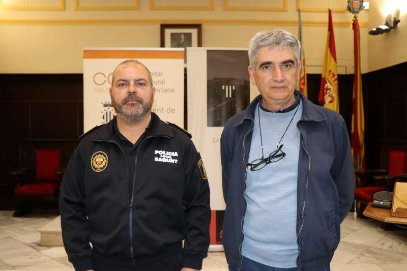Policía Local de Sagunt y el concejal de Policía Local y Medio Ambiente, Enric Ariño