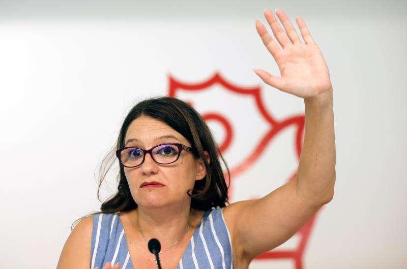 La vicepresidenta y portavoz del Gobierno valenciano, Mónica Oltra, en una rueda de prensa que ha ofrecido tras el pleno del Consell. EFE/Archivo