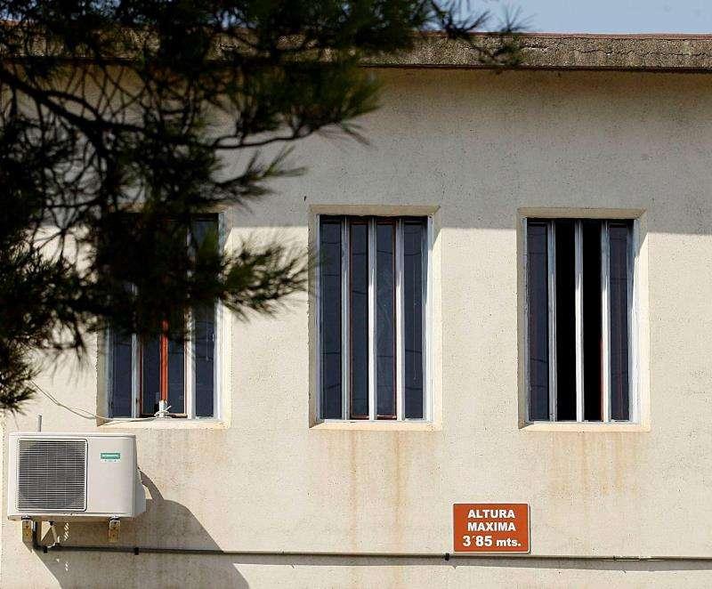 Rejas en las ventanas de un centro penitenciario de Castellón. EFE/Archivo