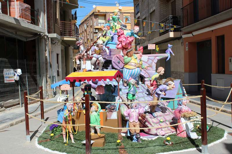 Monumento infantil de la Falla Plaça Pedralba de Llíria.