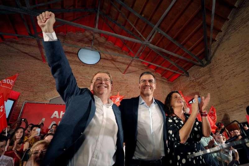 Puig y Sánchez en su mitin de València. EFE/Juan Carlos Cárdenas