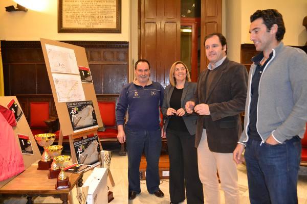 Presentación de la XXXII Mitja Marató y la primera 8 Km de Sagunto. EPDA