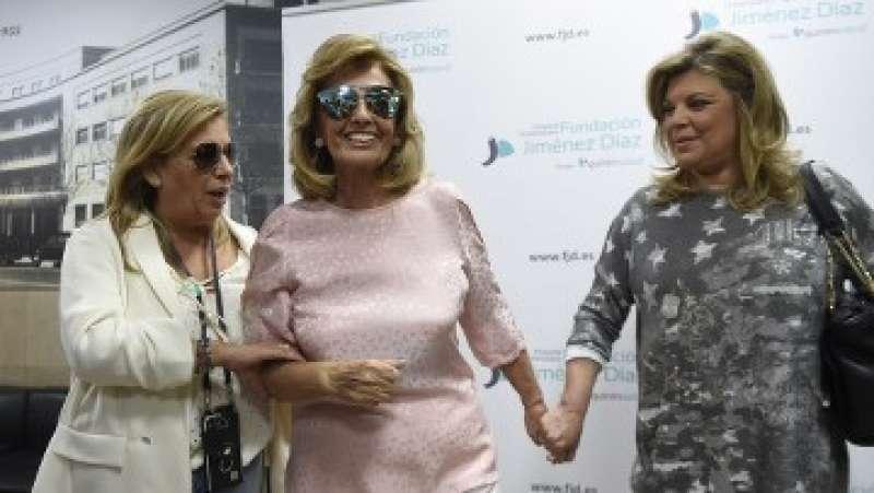 María Teresa Campos, en el centro, junto a Carmen Borrego (izquierda) y Terelu Campos (derecha). FOTO TELECINCO