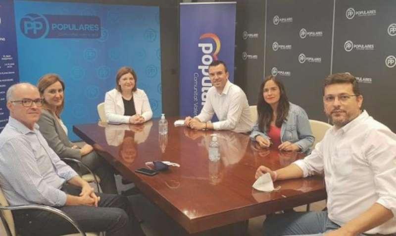 Fernando de Rosa, María José Catalá, Isabel Bonig, Vicent Mompó, Belén Hoyos y Juan Ramón Adsuara. EPDA