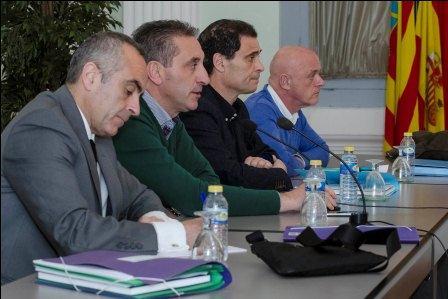 El Presidente y miembros de la Asamblea del COR.
