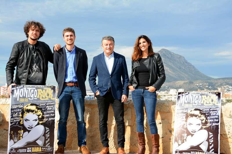 Los organizadores y el alcalde de Xàbia en la presentación del cartel del Montgorock en enero de 2016. //EPDA