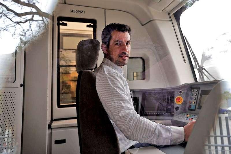 Iván Sayago, maquinista del metro de Valencia. EFE