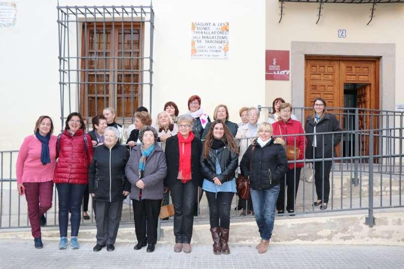 Dones participants de l