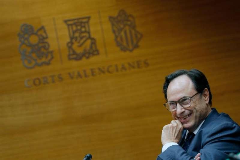 Vicent Soler, cierra la ronda de comparecencias en Les Corts.EFE/ Manuel Bruque