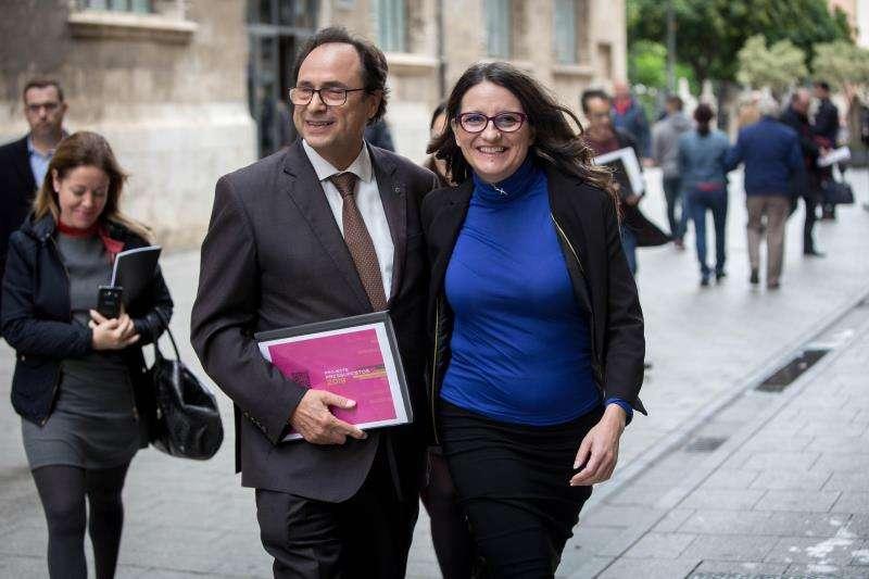 La vicepresidenta y portavoz del Consell, Mónica Oltra, y el conseller de Hacienda, Vicent Soler. EFE/Aliño/Archivo