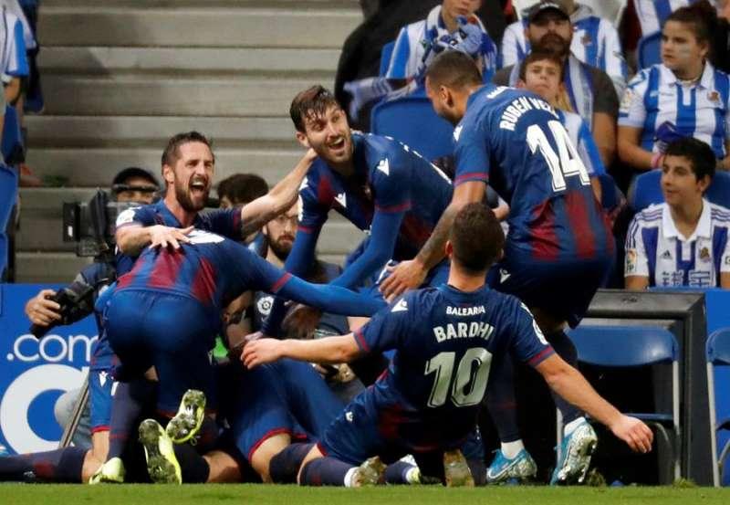 Borja Mayoral celebra su gol ante la Real Sociedad. EFE/ Juan Herrero