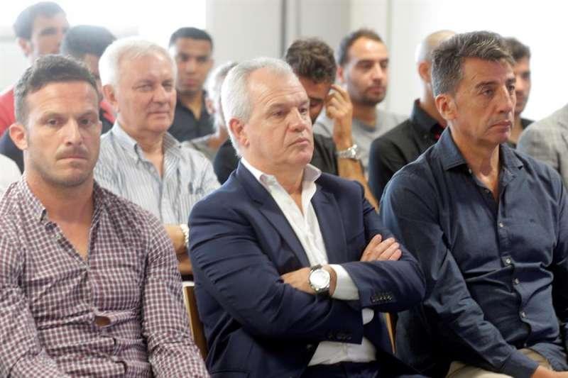 El exentrenador del Zaragoza, Javier Aguirre (c), durante el juicio por el posible amaño del Levante-Zaragoza de 201. EFE Archivo